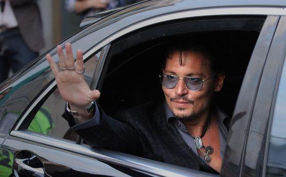 PHOTO: Johnny Depp is dapper for 'Mortdecai' | Moviepilot: New Stories for Upcoming Movies