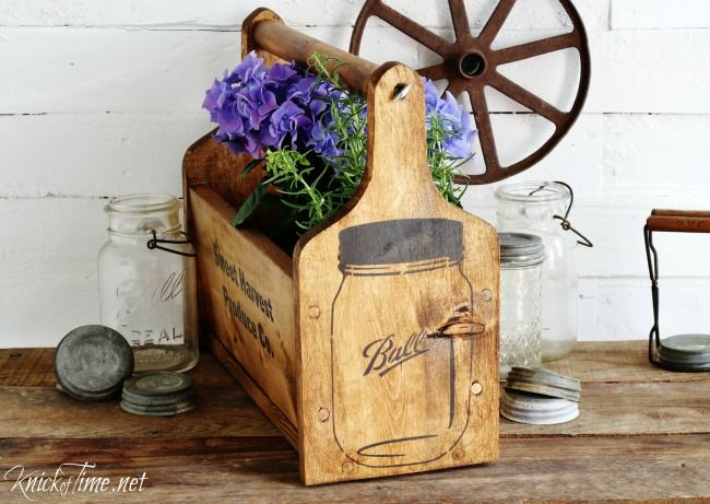 Make your own Mason Jar Wood Tote that looks like a Fruit Co. Shipping Crate - KnickofTime.net