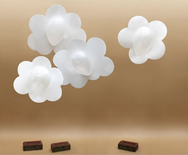 Balloons poster board hang from the ceiling this for Balloon cloud decoration