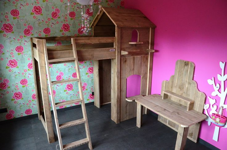 Bed Sarah https://www.sanderswoodworks.nl/steigerhouten-bedden/bed-sarah.html
