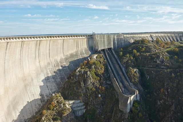 Almendra Dam, Salamanca, Spain: De Almendra, Spain Almendra, Salamanca Spain, Rivers Torm, Rivers T-Shirt, Presa Emblemático, Presa De, Almendra Dam, Embal De