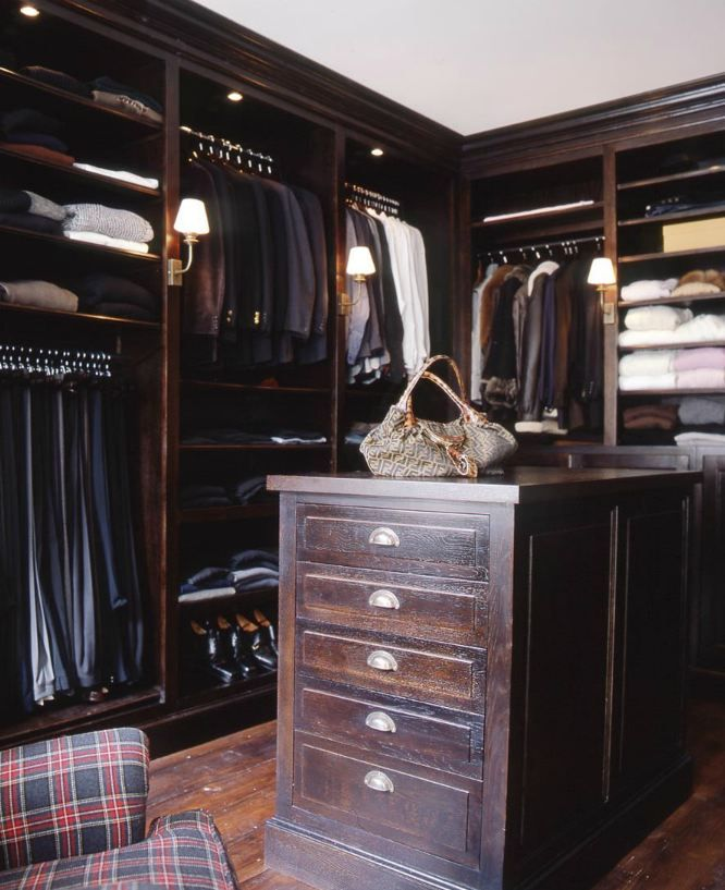 Dark and tartan - men's closet idea. Free WoodCraft Information http://www.woodprofits.com/?hop=megairmone