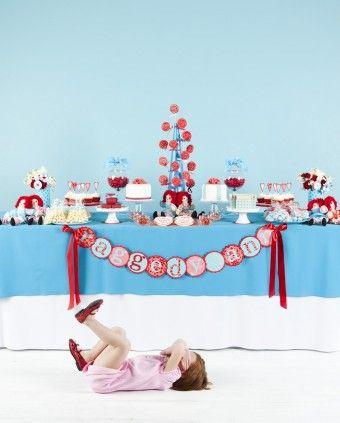 raggedy ann party - SUPER cute!Raggedy Anne, Raggedyann, Color Schemes, Birthday Parties, Anne Parties, 1St Birthday, Parties Ideas, Birthday Party Ideas, Birthday Ideas