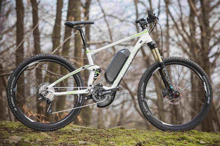 Giant Full-E 2 este o bicicleta electrica pe care trebuie sa o iei cu tine off-road. Afla mai multe despre ea pe MenKit! #bicicleta #electrica #ebike #offroad #sport