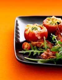 Gratineret tomat og tomatsalat