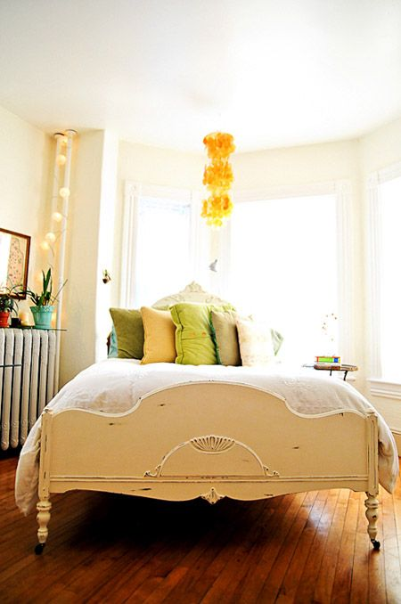 Tips For Making Your Bedroom A Stress Free Zone: Day Beds, Stress Free, Green Bedrooms, Antiques Beds, Pastel Bedroom, Beds Frames, Paintings Beds, Beds Design, Green Pillows