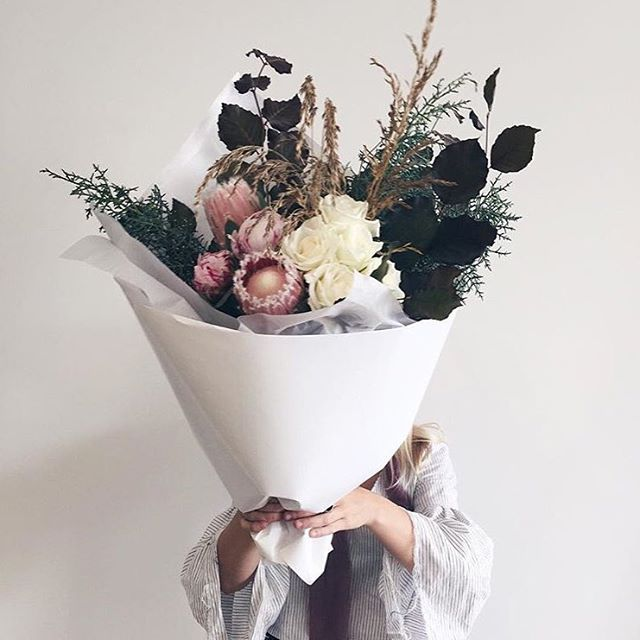 Obsessed with the wild native mixed with soft blooms look at the moment