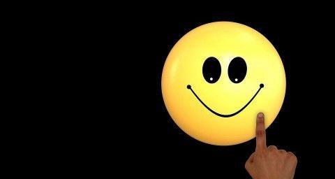 Tu de ce zâmbești