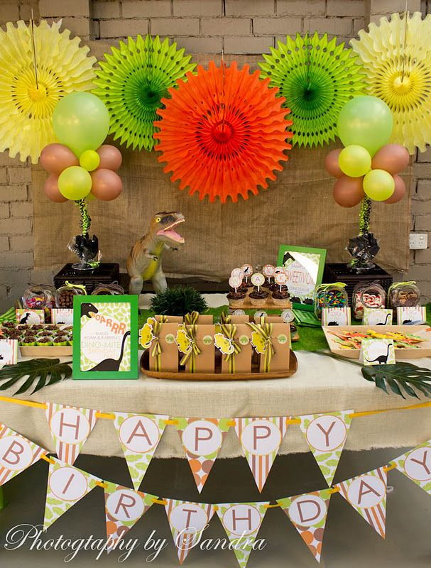 birthday ideasBirthday Parties, Dinosaur Party, Boys Birthday, Dinosaurs Birthday, Parties Ideas, Parties Tables, Parties Theme, Dinosaurs Parties, Birthday Ideas