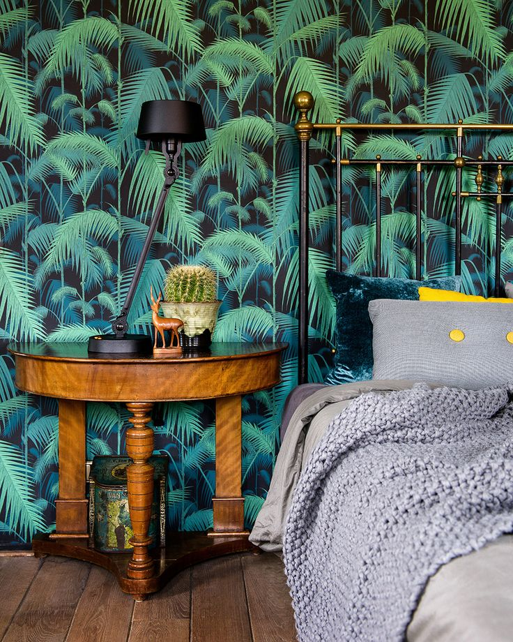 photo www.ronaldzijlstra.nl, cole & son wallpaper, tonone lamp, hay, old french bed, old french bed, sleeping room, styling www.drentenvandijk.nl Cole & Son Palm Jungle wallpaper