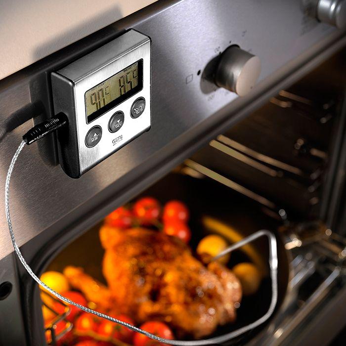 Termómetro digital para carne, ideal para la medicción de la temperatura durante la cocción, con rango de temperatura de 0 a 250 ºC. Es perfecto para comprobar la temperatura interna del pan, bebidas frías y cualquier otro alimento, y determinar su punto de cocción o congelación. Cuenta con una sonda de acero inoxidable con 1 metro de cable termorresistente, además de imán y soporte para poner el termómetro tanto en la encimera como adherido al horno y medir con facilidad la temperatura de…