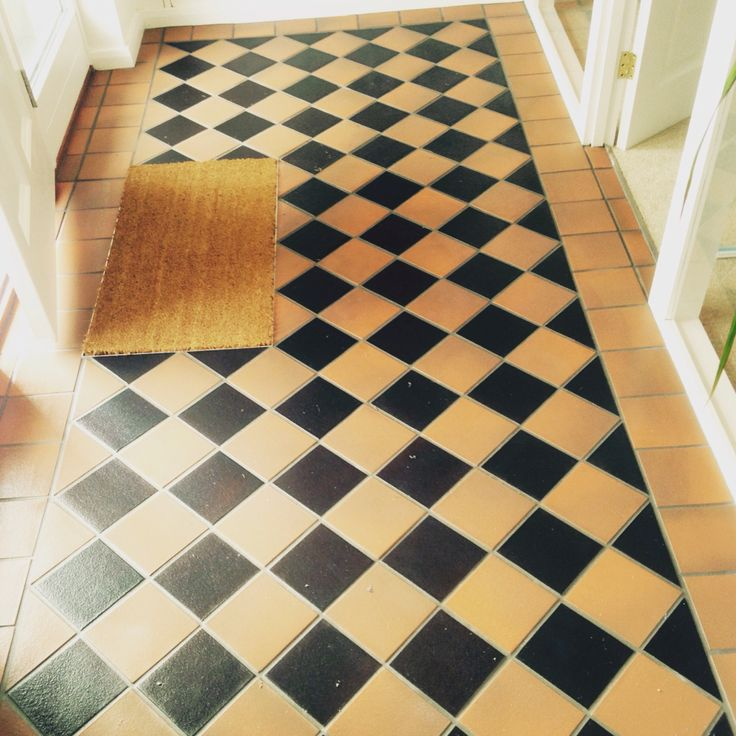 #sdbtilingltd #quarry #tiles #intricate #pattern #victorian #hallway