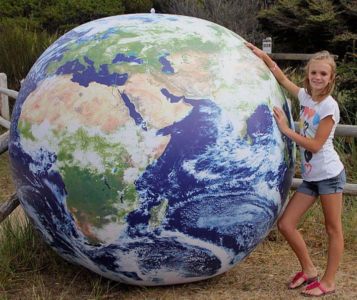 Giant Inflatable Earth Globe Nasa Astronaut View Heavy Duty Vinyl Beach Ball Vinyls