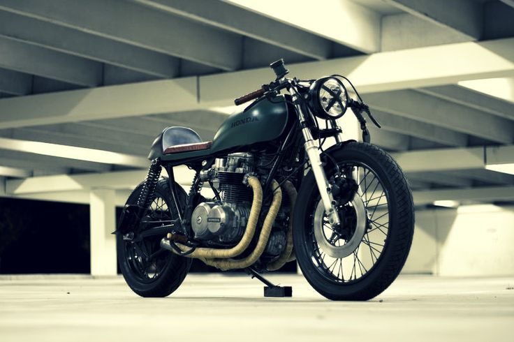 1000 ideas about motorcycle garage on pinterest for Garage alberti nice