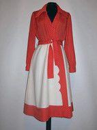 "Rochie cu buline ""Neiman Marcus"" anii '70 http://www.vintagewardrobe.ro/cumpara/rochie-cu-buline-neiman-marcus-anii-70-4947062"