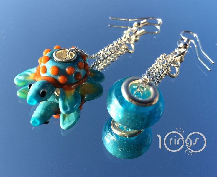 orecchini fatti a mano con perline di vetro di murano murrine tipo pandora e trollbeads tartaruga azzurra earrings made with murano glass beads, pandora , trollbeads turtle blue