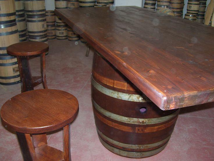 1264 - #Tavolo da #birreria e #osteria da 2 metri con #panca a corredo o #sgabelli treppiede e a #botte. Tel.0547 310171