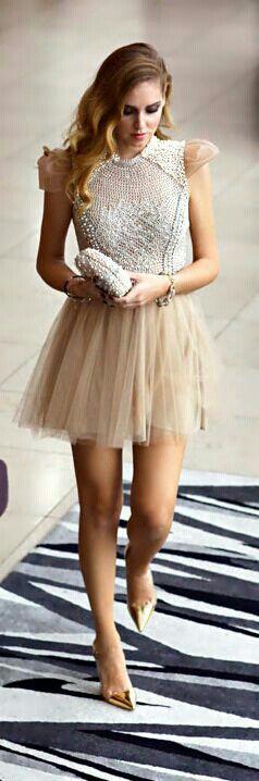 Encanta a todos con este romantico vestido.