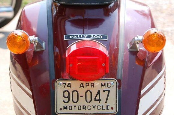 Αμερικανικη Vespa Rally με φλας και άλλο κολοφάναρο. 1974 Vespa Rally 200 For Sale Rear