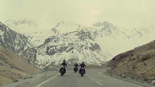 Long live the kings - Short documentary shot on super 16mm relating the hopes and desires of those who go for a motorcycle road trip.  A film by Clement Beauvais and Arthur de Kersauson.  A film by Clement Beauvais and Arthur de Kersauson