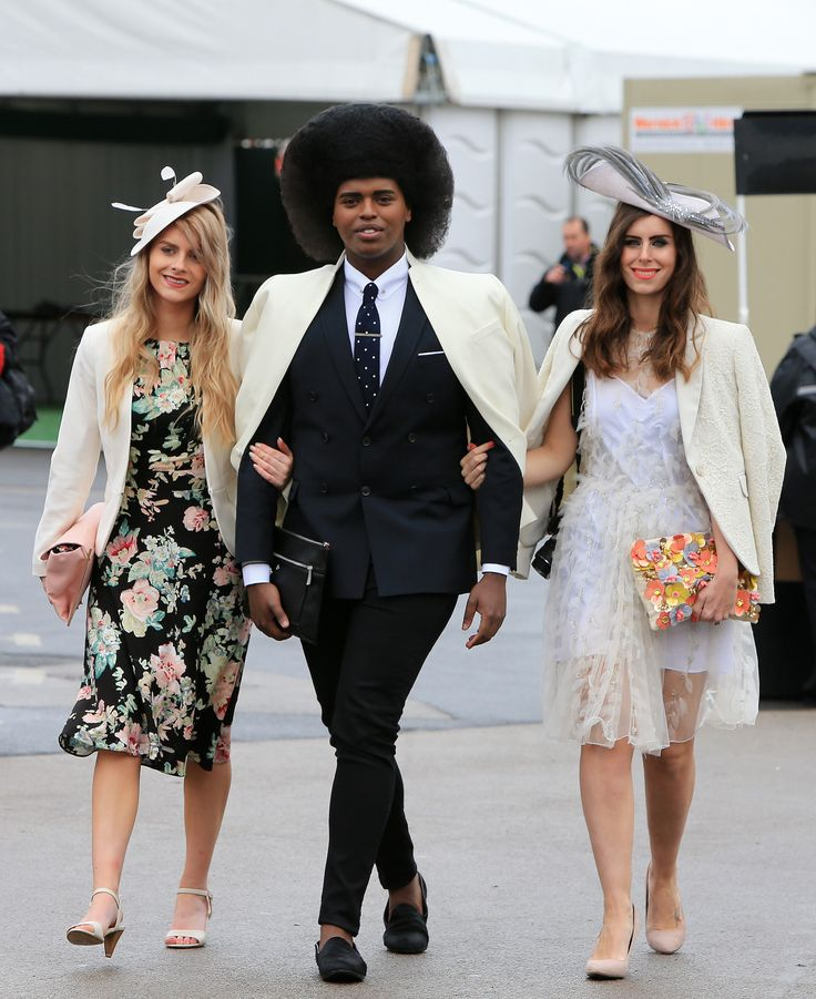 Fashion blogger Prince Cassius arrives at Aintree looking amazing!