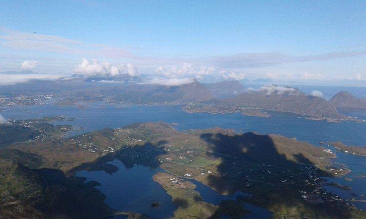 #Skottind summit. #Ballstad #Lofoten #HattvikaLodge