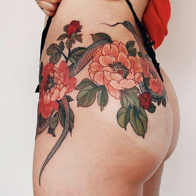 Snake & peonies by Jinpil Yuu #JinpilYuu #Yuuz #color #japanese #snake #peony #floral #tattoooftheday