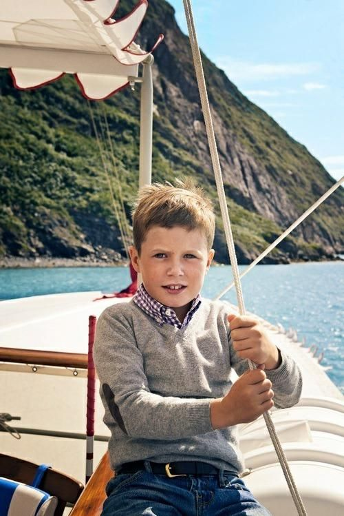 Happy 9th birthday to Prince Christian of Denmark!  The royal court released new pictures taken in Greenland