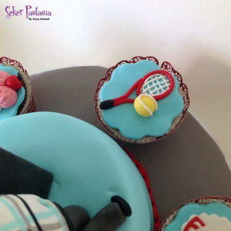 Tenis raket ve top Cupcake