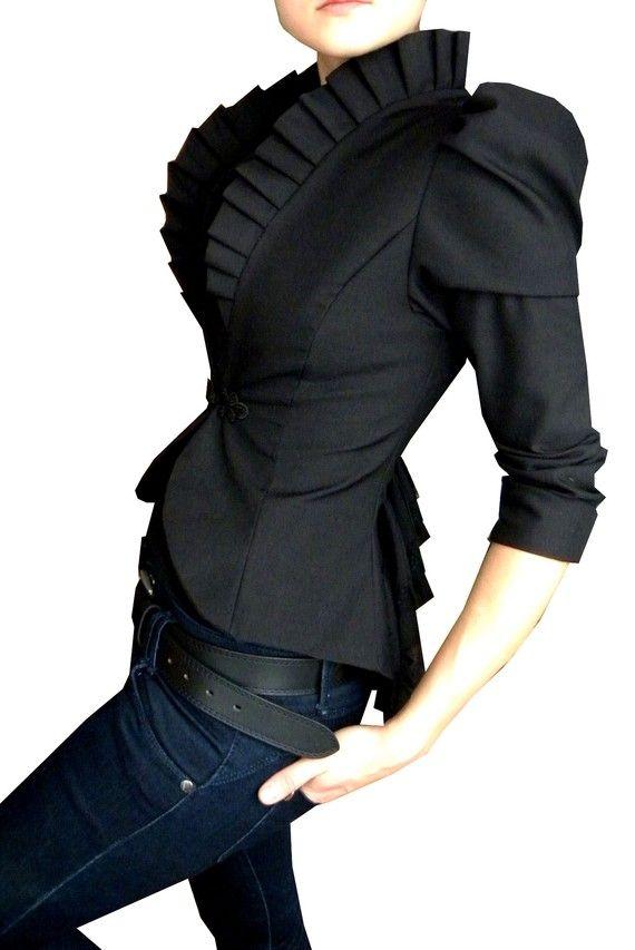 (WOW) black jacket + jeans LOVE!