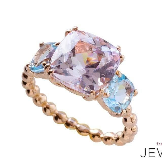 She's a beaut! #kunzite paired with #bluetopaz set in #rosegold #handmadejewelry in true #freerangejewels fashion: Classic yet pushing the boundaries just a little Available online www.freerangejewels.co.za #gemstonejewelry #cocktailring #statementring #bespokejewellery