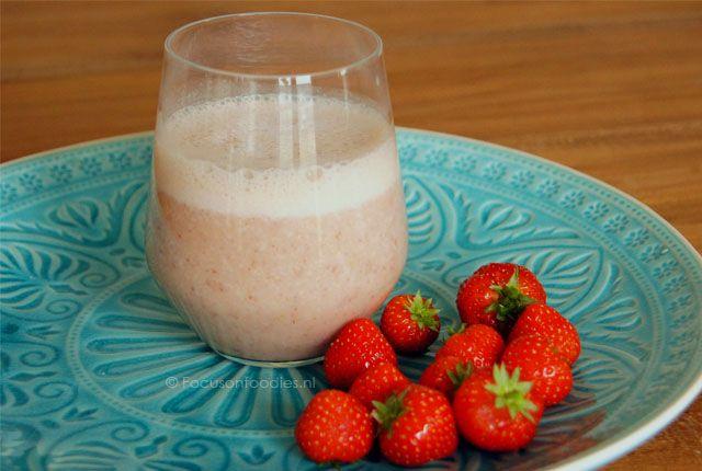 Zuivelvrije Aardbei Banaan smoothie  - Focus on Foodies
