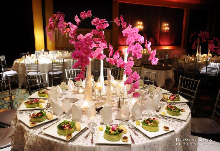 A decoração do casamento é um dos pontos mais importantes na preparação do grande dia, a decoração deve ser escolhida de forma a combinar com o estilo de c