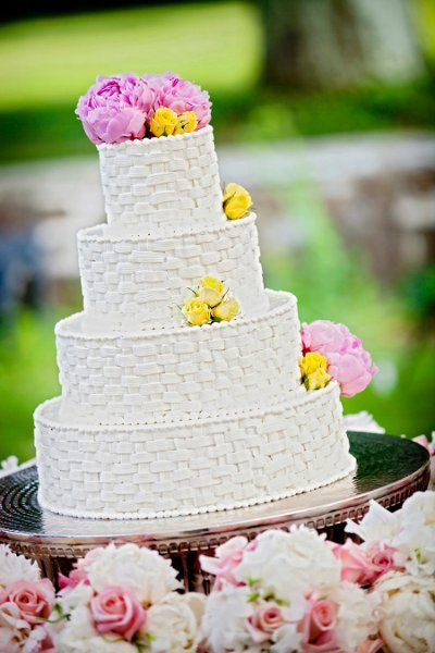 Such a cute cake! Perfect for a spring wedding-- we're loving the weaved look! {David Schwartz Photography}