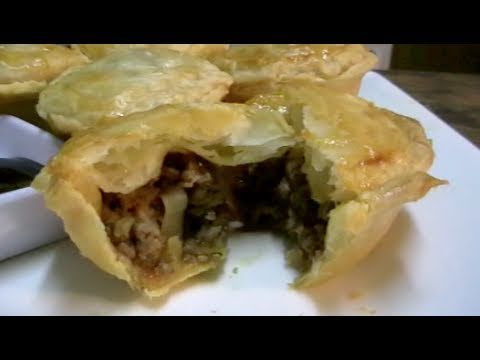 HOW TO MAKE MINI MEAT PIES
