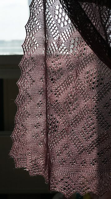 O Stole Mio - beautiful lace stole, free pattern thanks to Natalia Vasilieva