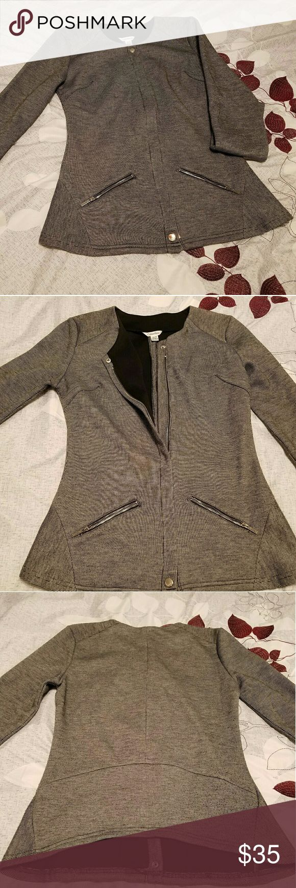 Calvin Klein Women's suit jacket with pockets Calvin Klein zip up suit jacket, pockets with zip, XS petite, slightly used, great condition Calvin Klein Jackets & Coats Blazers