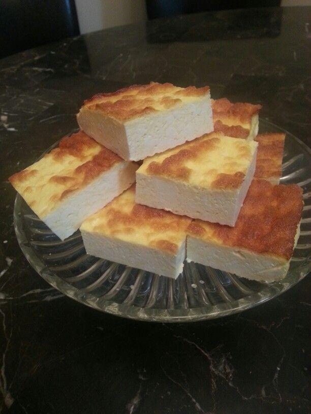 Творожная запеканка(АТАКА) :                    5 яиц, 600 г creamcheese (обезжиренный) или творог, 25 г. Stevia (зам.сахара), ванильный экстракт. Все смешать  и запекать в духовке до румяности