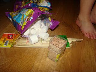 Ania mama Agnieszki: Konstrukcje z pianek marshmallow