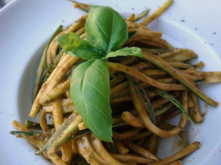 005 1024x768 Raw Zucchini Pasta with Tomato Basil Sauce