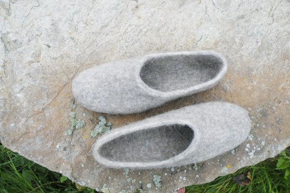 Wool felted grey slippers from dog's and sheep's by EmisaFelt
