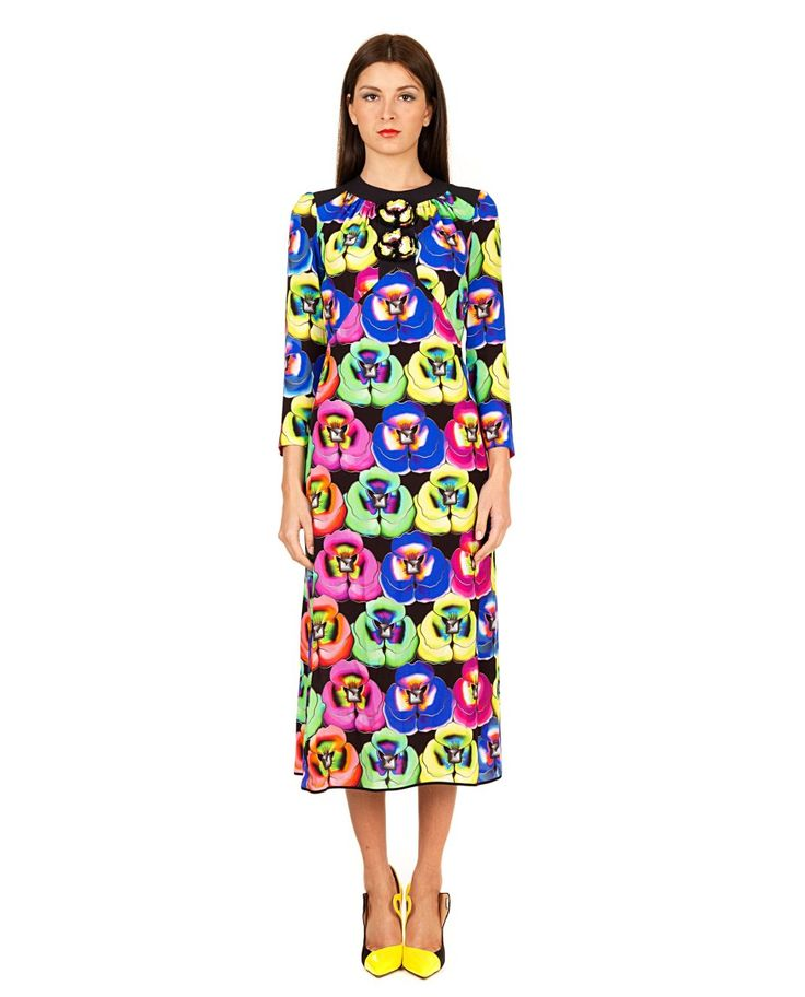 GILES Multicolour longuette dress floral pattern on black background long sleeves decorated with sequin flowers back one-button closure 100% VI  Embroidery: 100% PVC