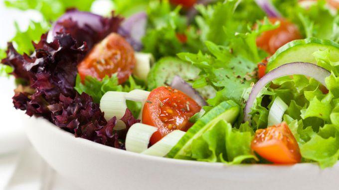 Как приготовить салат на скорую руку: 5 рецептов