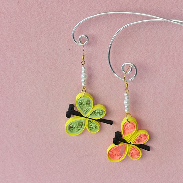 Here is the final look of quilling paper butterfly dangle earrings with pearl beads for kids: