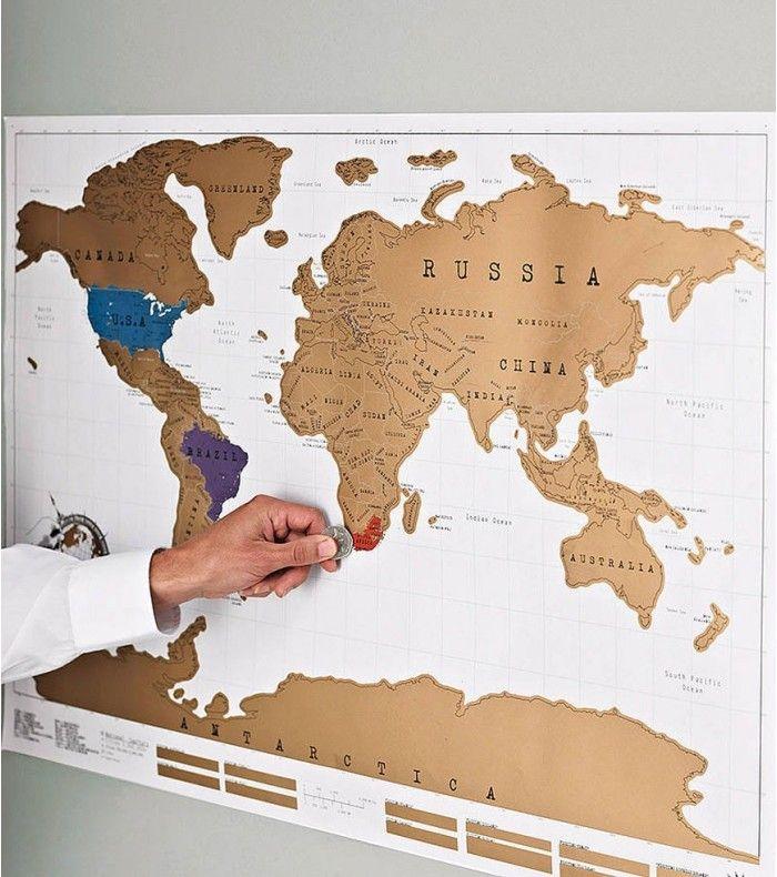 Cette carte du monde à gratter vous permet d'immortaliser chacun de vos voyages et de montrer fièrement à vos proches le globe-trotter qui sommeille en vous. Plus de temps à perdre pour gratter entièrement votre carte du monde!