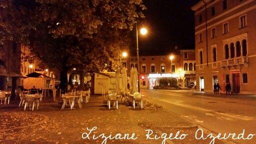 Udine by night #udine #italia #italy Via Zanon