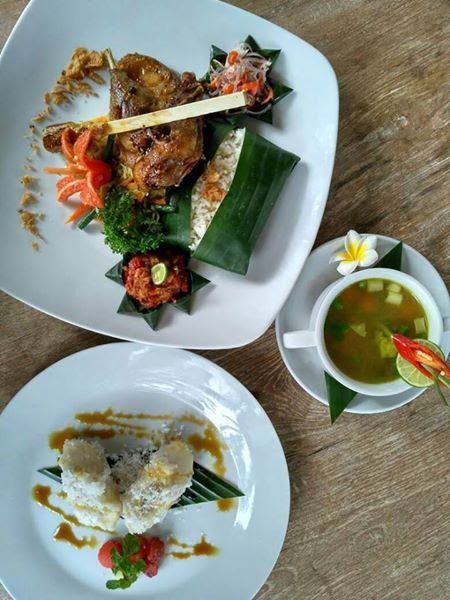 There's no better way to experience a culture than through its foods. Blue Duck Restaurant at Atta Mesari Villas has created a special set menu to you a taste of the delicious Balinese cuisine www.attamesarivillas.com  #Bali #ubud #Indonesia #foods #traveler #balinesefood #resort
