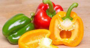 Come cucinare i peperoni una volta sola (portando in tavola tre piatti)