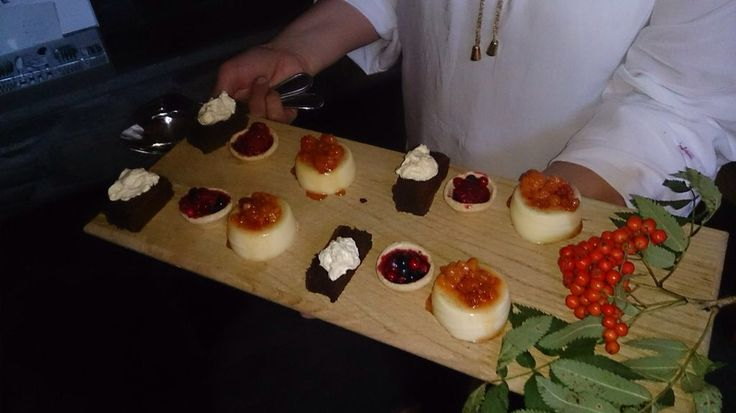 Desserts in our wedding <3