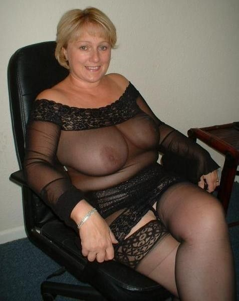 Relaxing  See-Through Milfs Moms, Gilfs And Grannies -5907